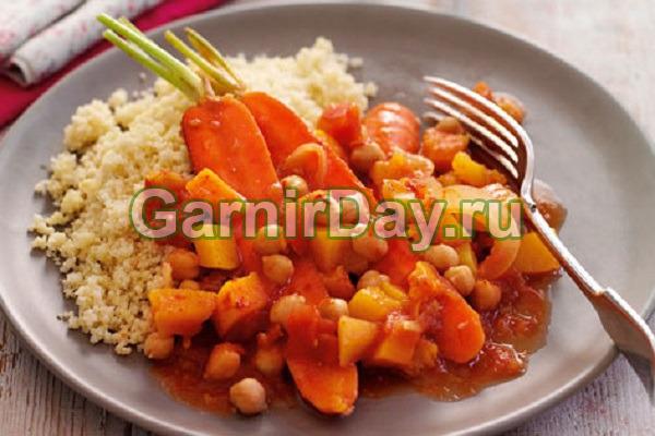 Морковь тушеная с луком и нутом